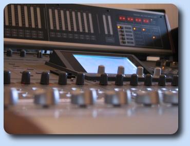 Studio d 39 enregistrement avp production - Table de mixage studio d enregistrement ...
